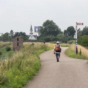 Links Museum De Oersprong, Rechts De Korenmolen Van Waardenburg