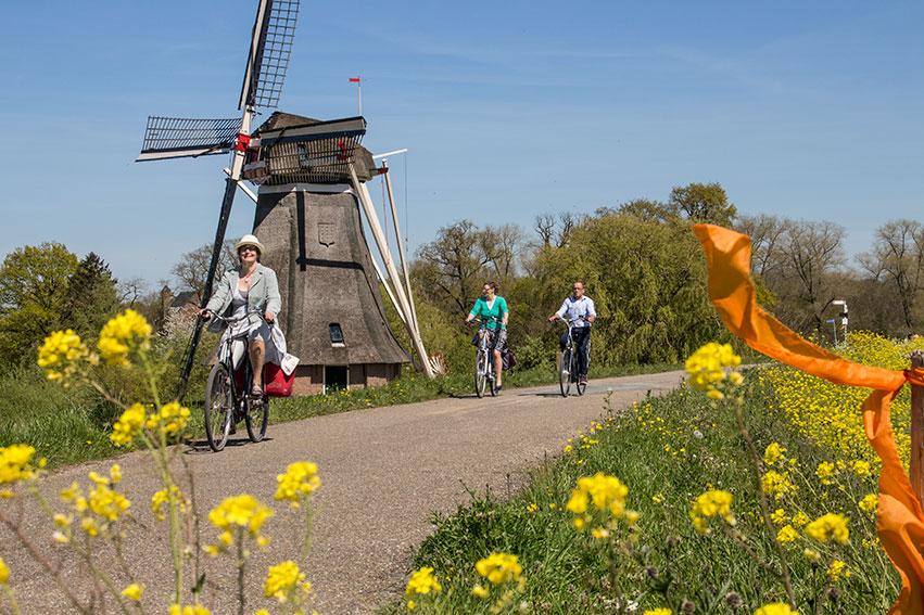 Tour de Waal, 75 jaar vrijheid vieren aan de Waal