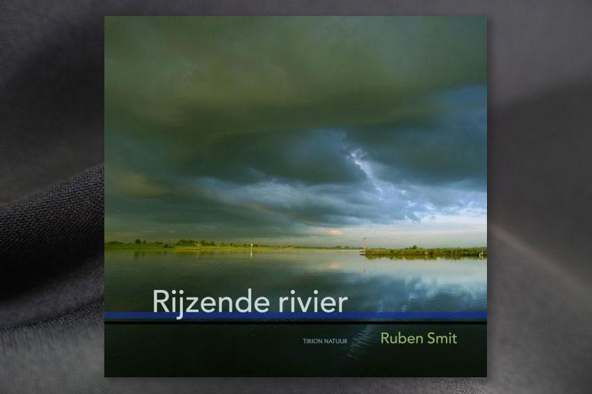 Boek: Rijzende Rivier