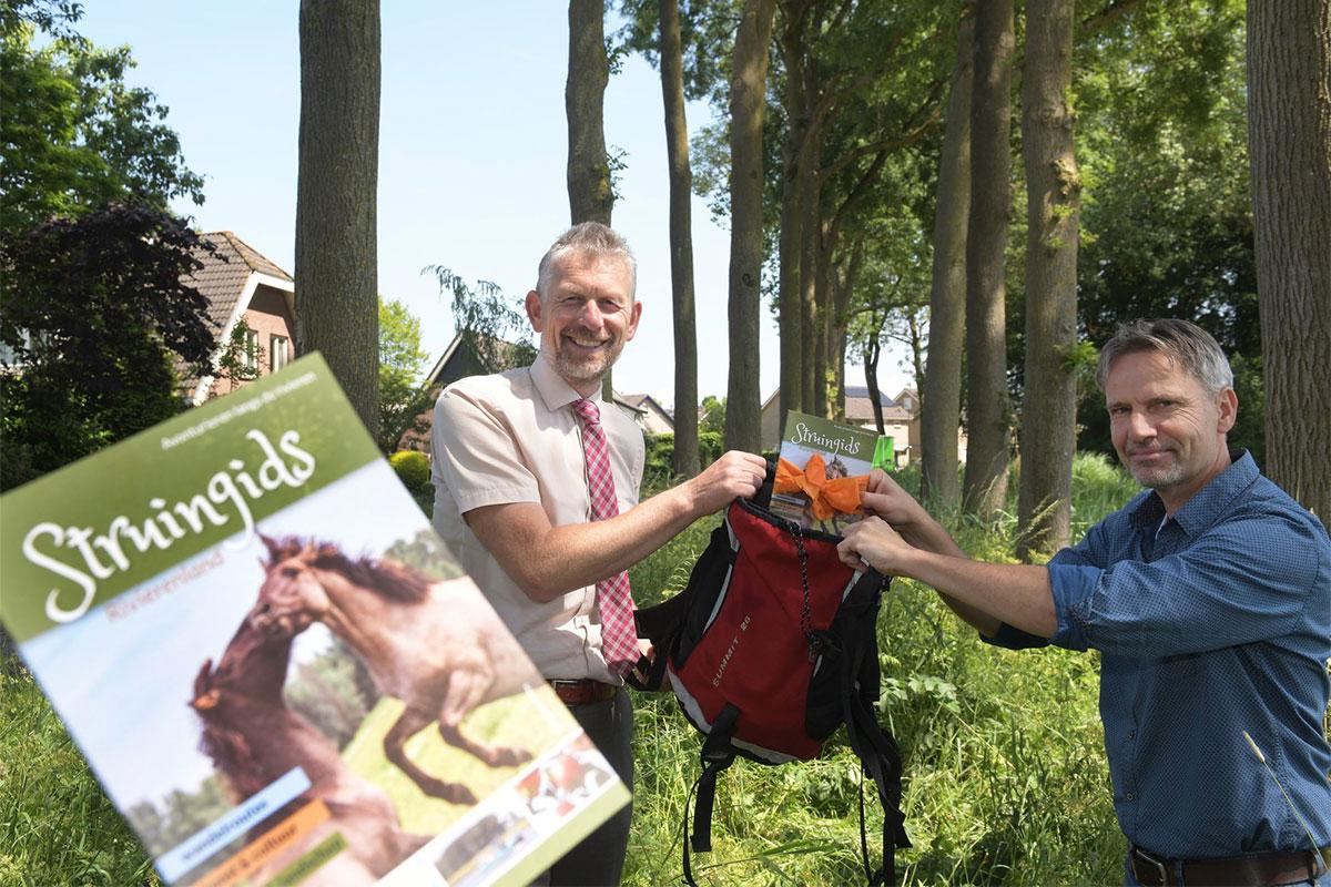 Struingids Burgemeester Jan De Boer - Jan Van Den Berg. Gemeente Buren